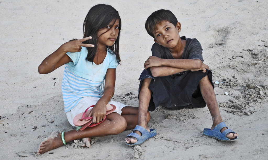 elnido-kids-posing