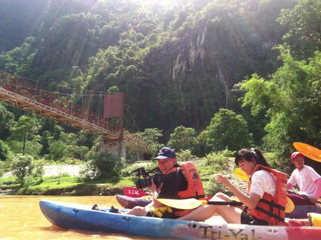 kayaking-vang-vieng