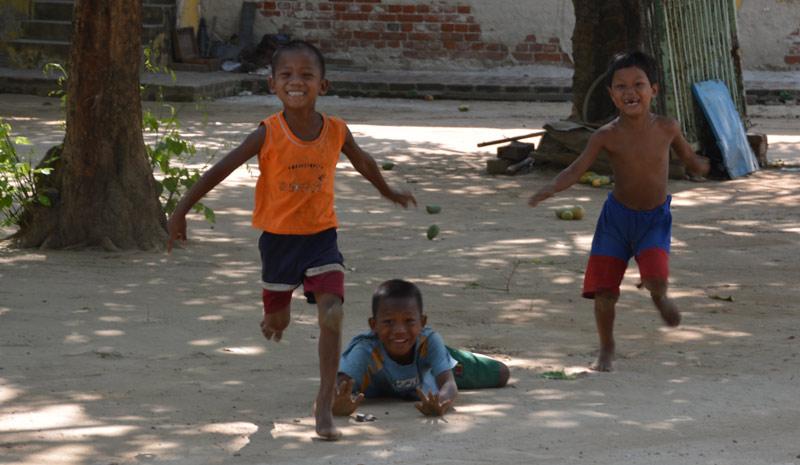 kids-running-mandalay