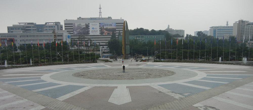 DAN-at-memorial-274