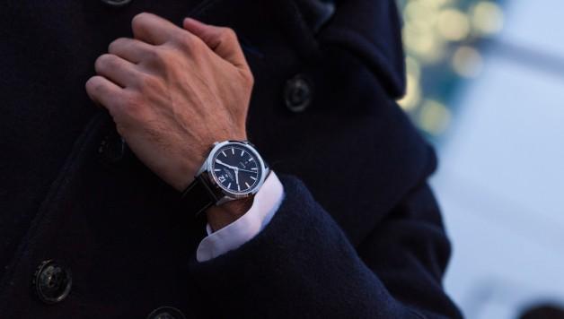 wristshot_h43515735_broadway