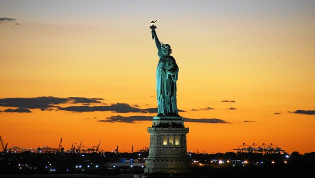 statue-of-liberty-992552_1920